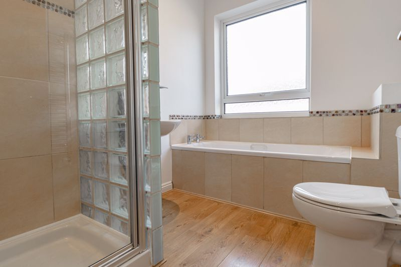 2 bed house for sale in Carlyle Road  - Property Image 10