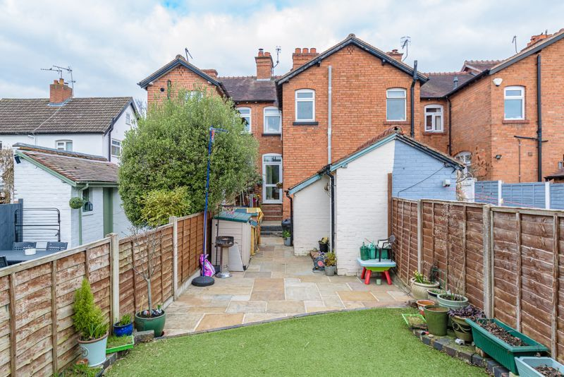 2 bed house for sale in Carlyle Road 12