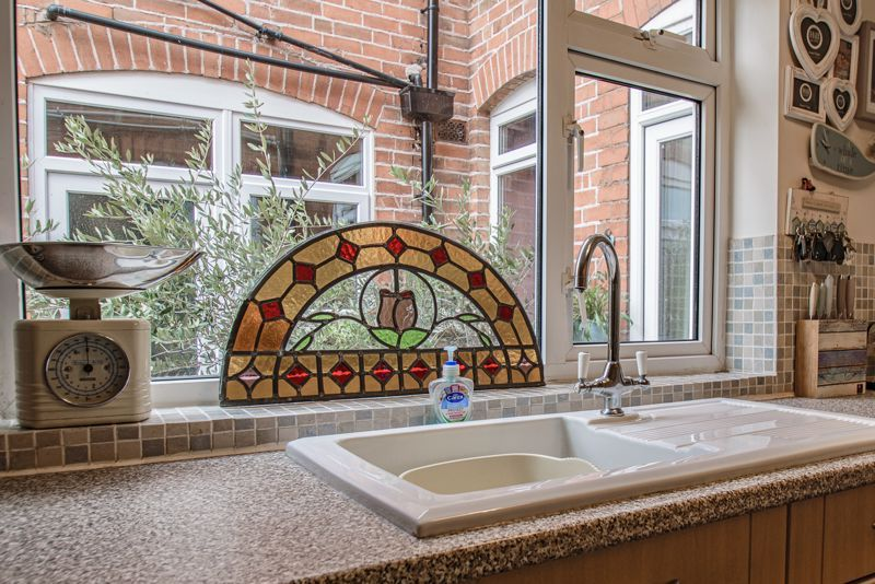 2 bed house for sale in Carlyle Road 14