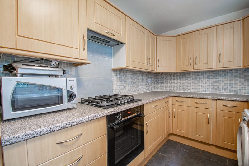 2 bed house for sale in Carlyle Road  - Property Image 5