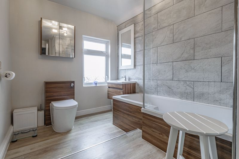 2 bed house for sale in Carlyle Road  - Property Image 9