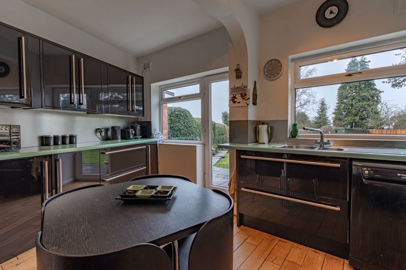 2 bed house for sale in Mucklow Hill 6