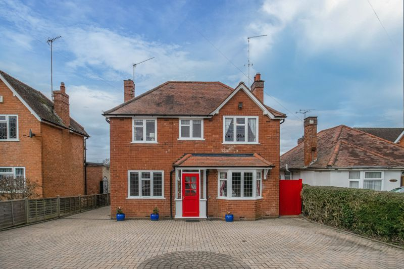 4 bed house for sale in Redditch Road 2