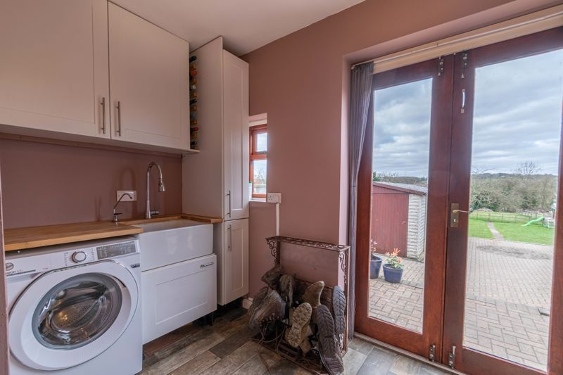 4 bed house for sale in Redditch Road 11