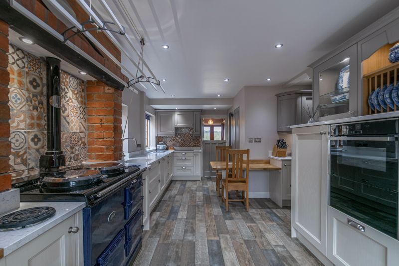 4 bed house for sale in Redditch Road  - Property Image 3