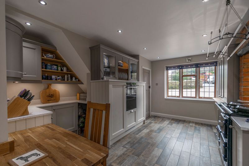4 bed house for sale in Redditch Road 5