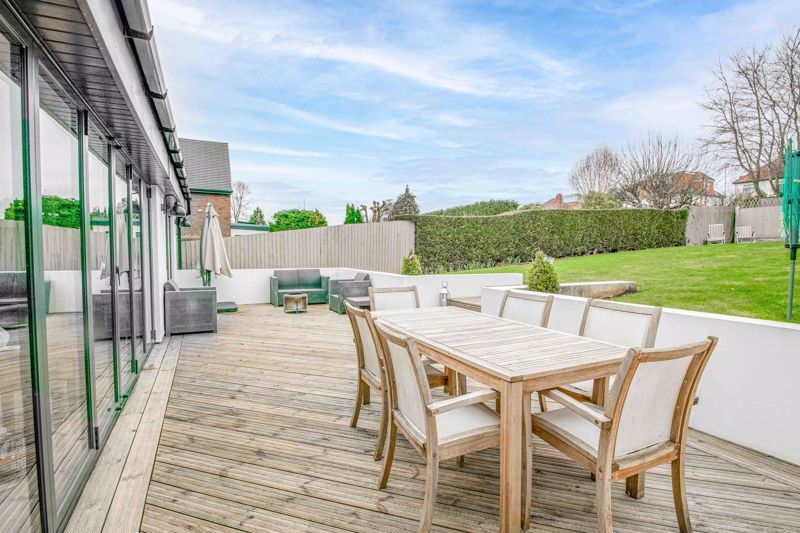 5 bed house for sale in Manor Abbey Road 11