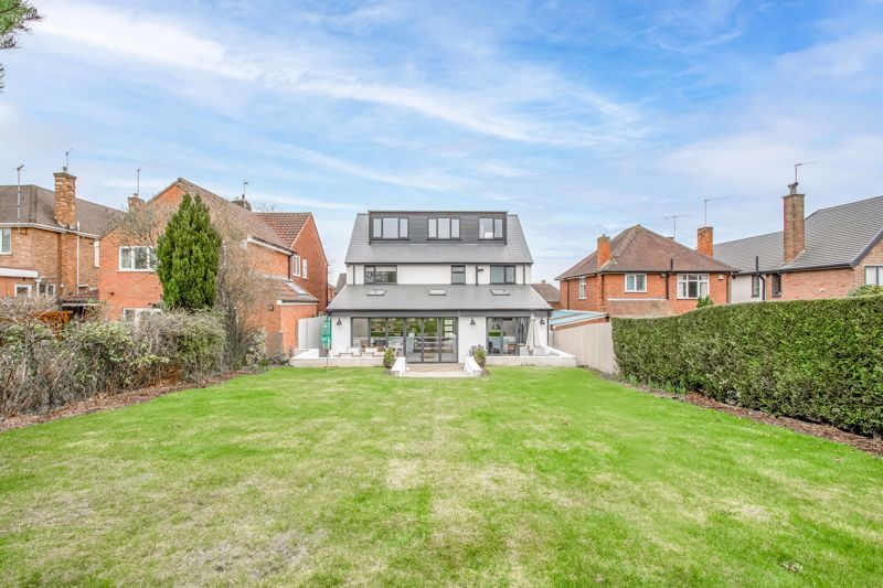 5 bed house for sale in Manor Abbey Road 13