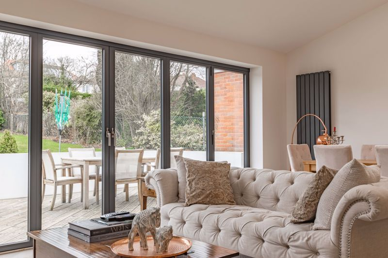 5 bed house for sale in Manor Abbey Road 17