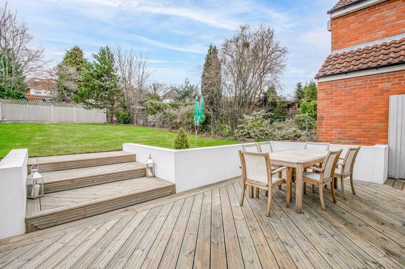 5 bed house for sale in Manor Abbey Road 18