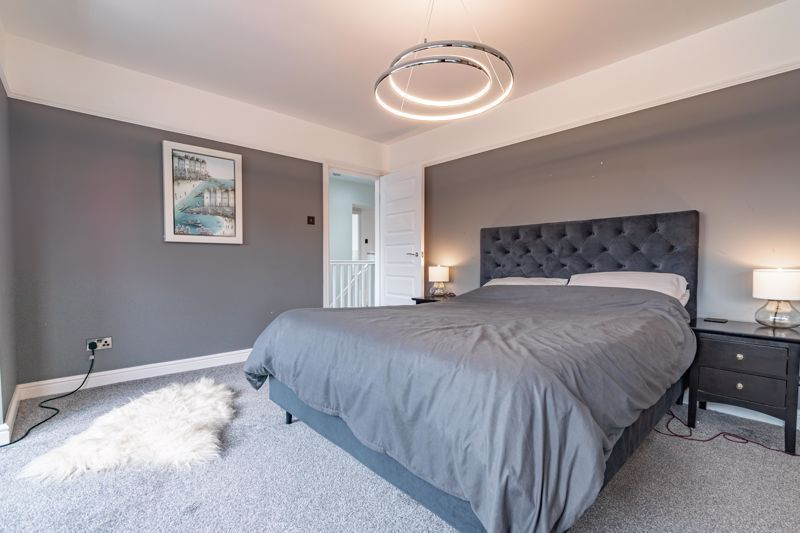 5 bed house for sale in Manor Abbey Road 6
