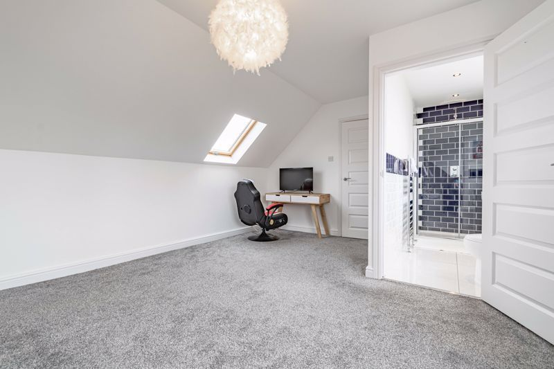 5 bed house for sale in Manor Abbey Road 7