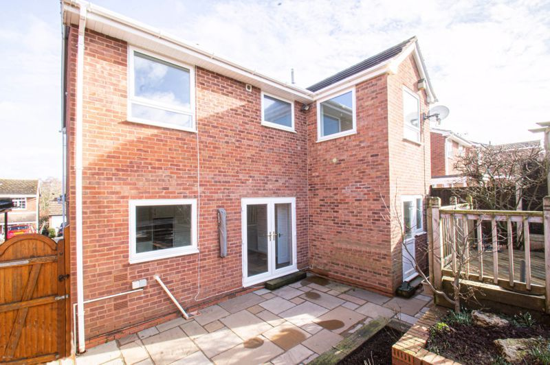4 bed house for sale in Deansway 13