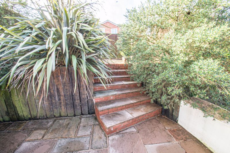 4 bed house for sale in Deansway 15