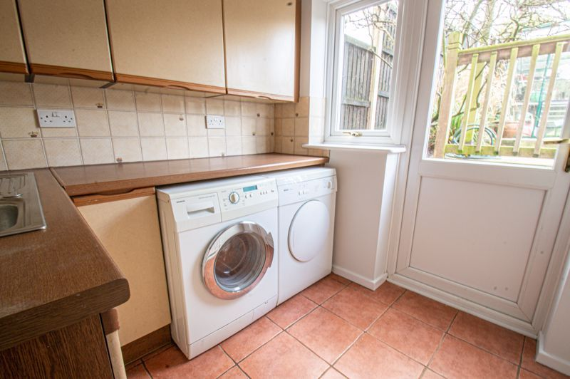 4 bed house for sale in Deansway 5