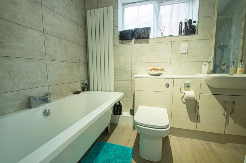 4 bed house for sale in Church Down Close  - Property Image 11