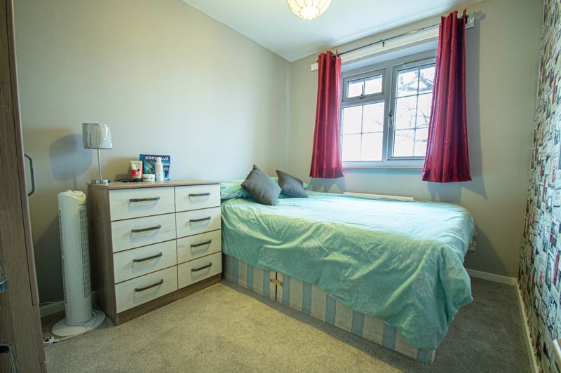 4 bed house for sale in Church Down Close 12