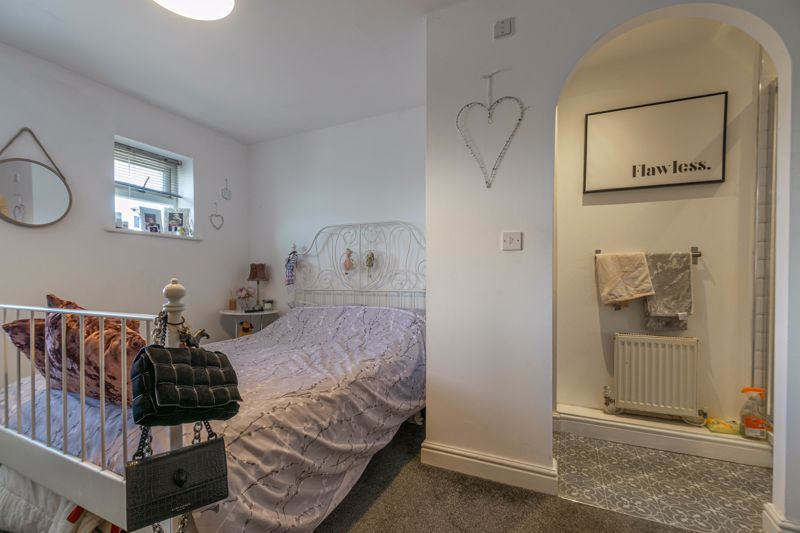 3 bed house for sale in Honeychurch Close 8
