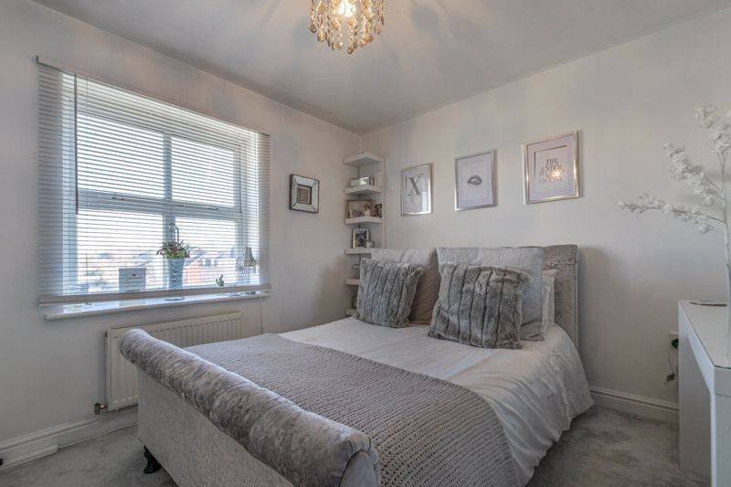 3 bed house for sale in Honeychurch Close 9