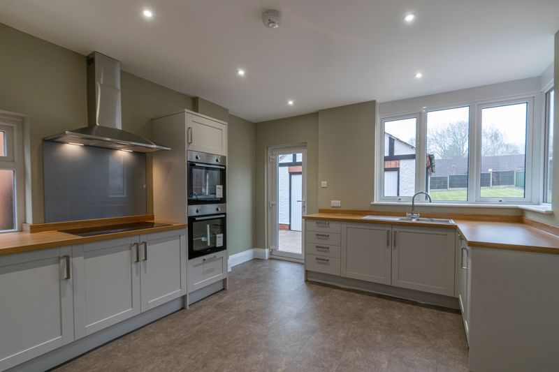 3 bed house for sale in Plymouth Close  - Property Image 3
