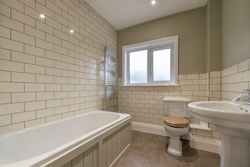 3 bed house for sale in Plymouth Close 9