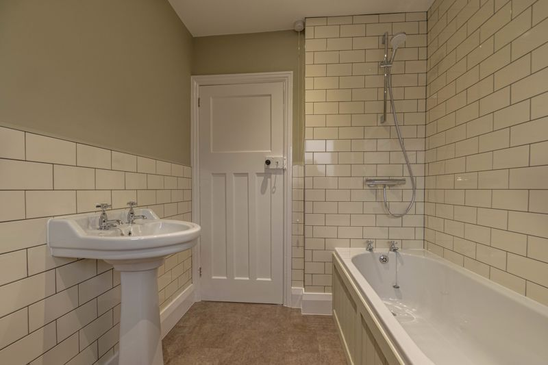 3 bed house for sale in Plymouth Close 10