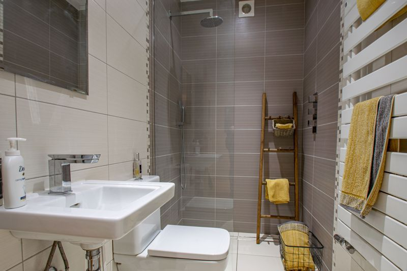 4 bed house for sale in Linthurst Newtown 18