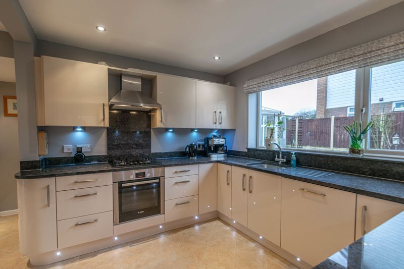 3 bed house for sale in Skilts Avenue 16