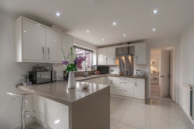 4 bed house for sale in Hither Green Lane 2
