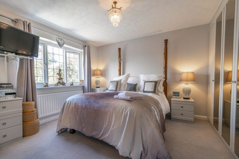 4 bed house for sale in Hither Green Lane 8