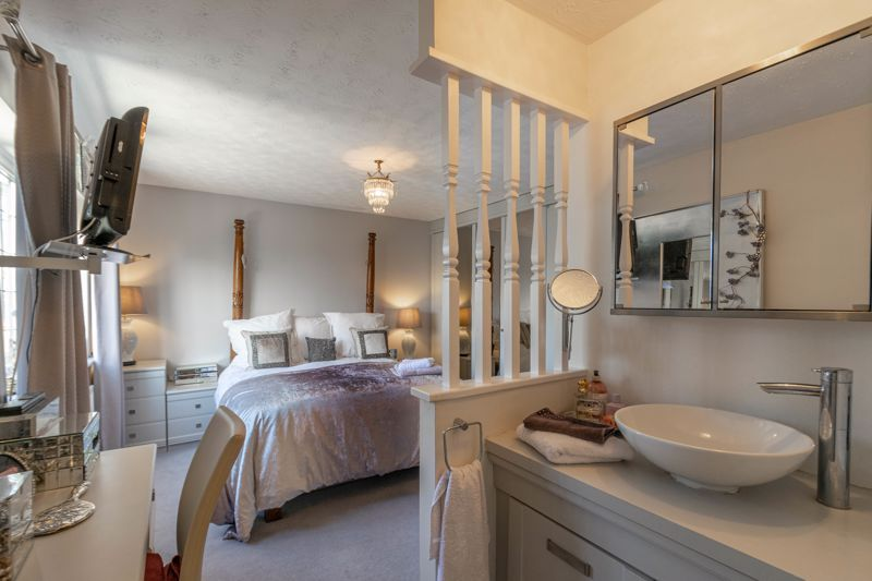 4 bed house for sale in Hither Green Lane 9