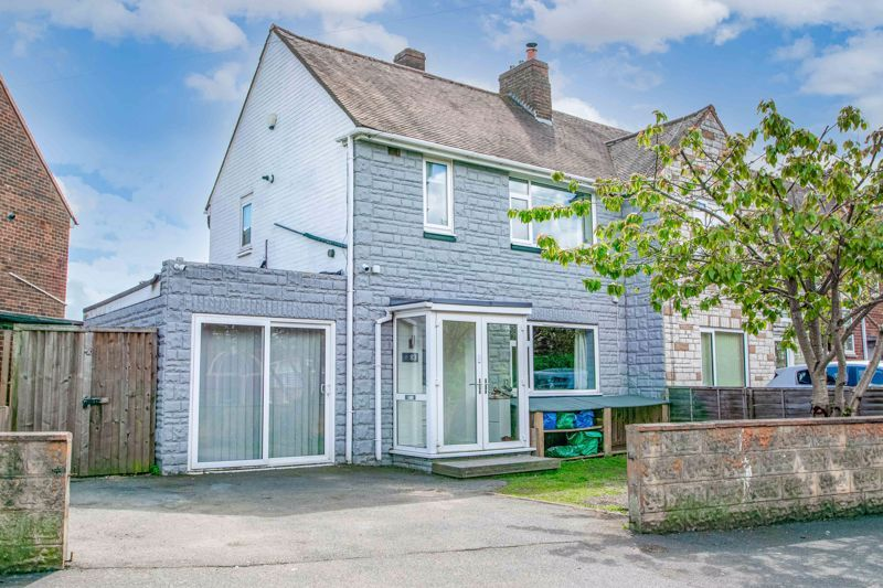 2 bed house for sale in Park Road - Property Image 1