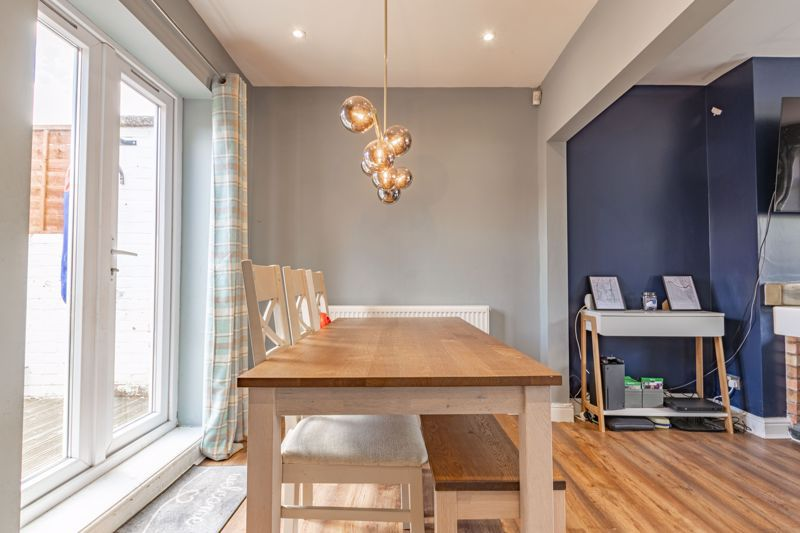 2 bed house for sale in Park Road  - Property Image 17
