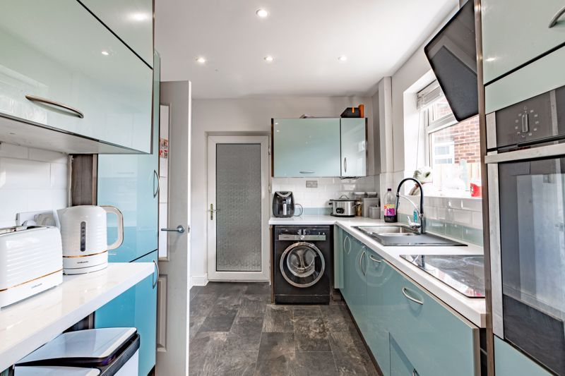 2 bed house for sale in Park Road  - Property Image 18