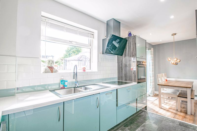 2 bed house for sale in Park Road  - Property Image 3