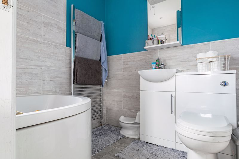 2 bed house for sale in Park Road  - Property Image 9