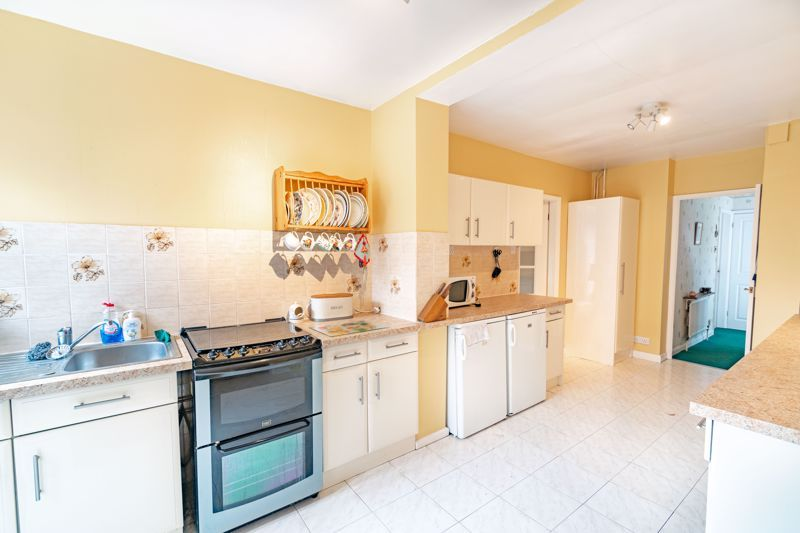 4 bed house for sale in Swinford Road 14