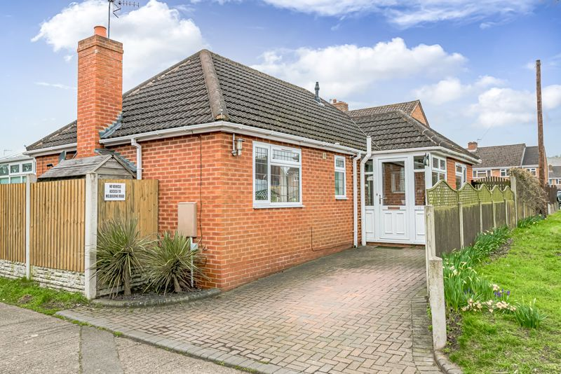 2 bed bungalow for sale in Lincoln Road 1