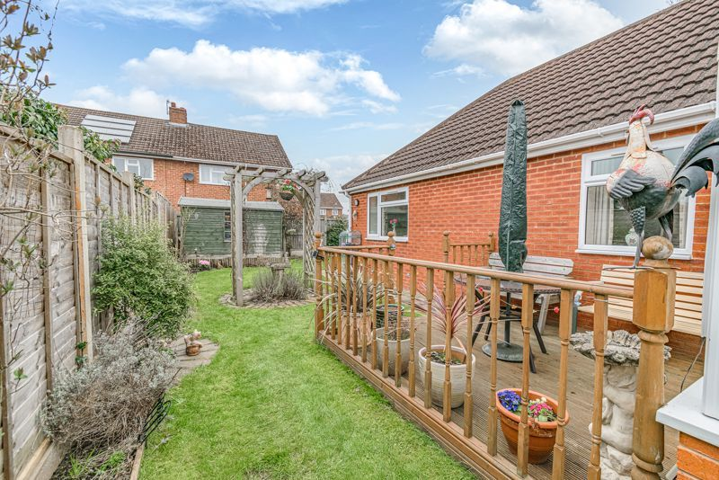 2 bed bungalow for sale in Lincoln Road  - Property Image 13