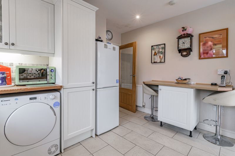 2 bed bungalow for sale in Lincoln Road 14