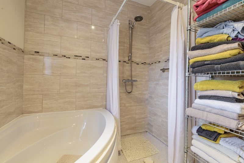 2 bed bungalow for sale in Lincoln Road  - Property Image 15