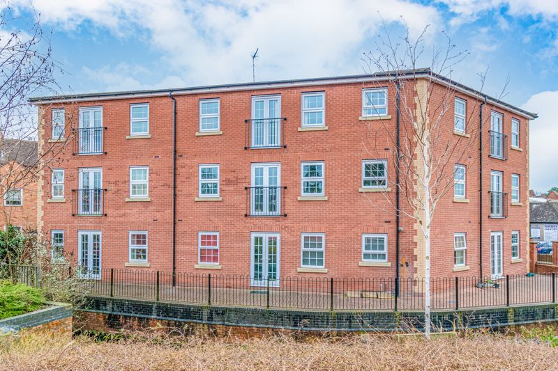 1 bed flat for sale in Worcester Road - Property Image 1