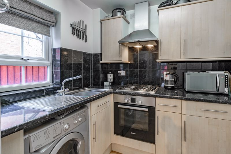 1 bed flat for sale in Worcester Road 3