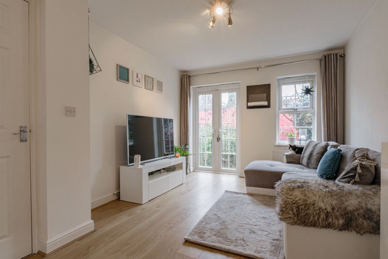 1 bed flat for sale in Worcester Road 4