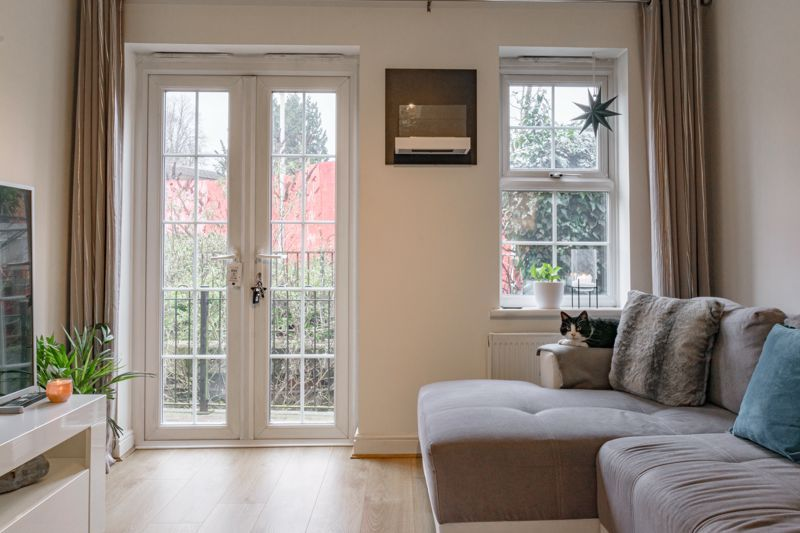 1 bed flat for sale in Worcester Road 5