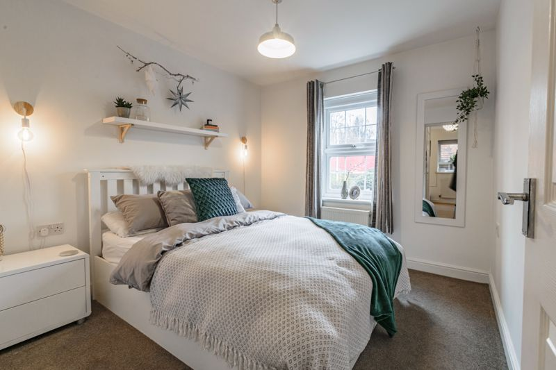 1 bed flat for sale in Worcester Road 7