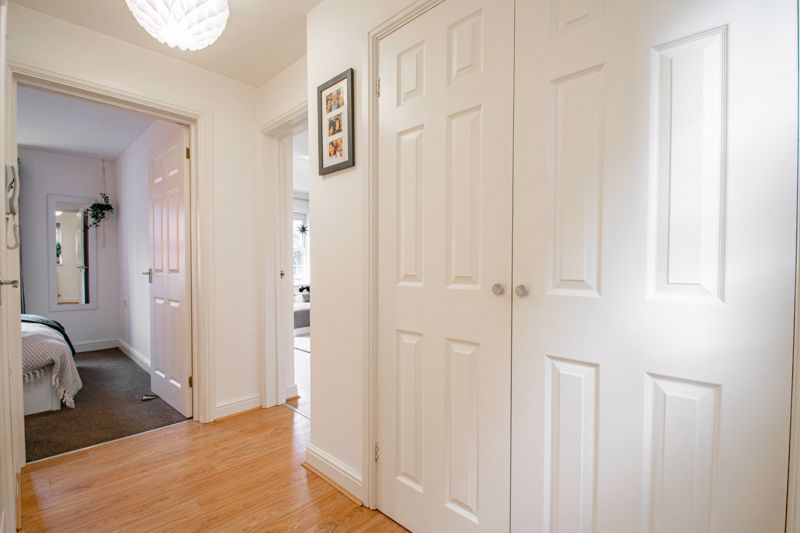 1 bed flat for sale in Worcester Road 9