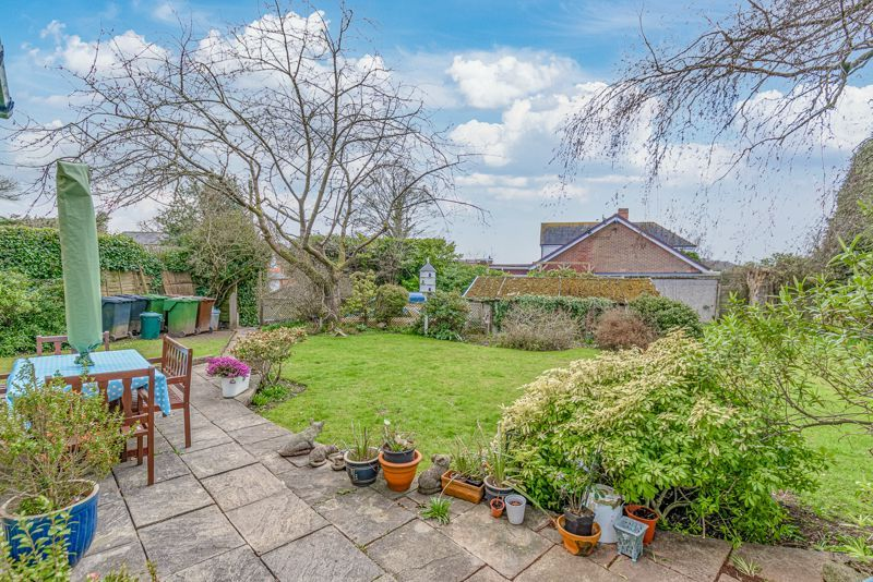 3 bed cottage for sale in Lickey Rock 11