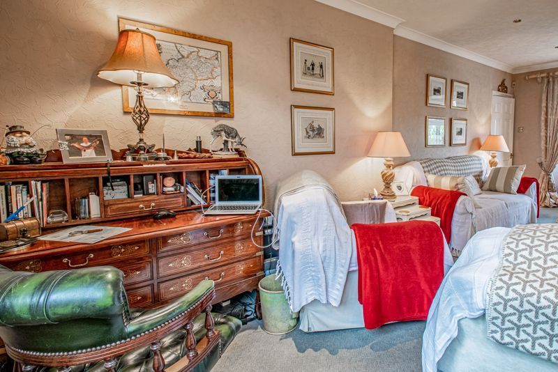 3 bed cottage for sale in Lickey Rock 16