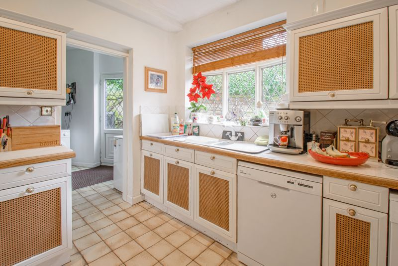 3 bed cottage for sale in Lickey Rock 18